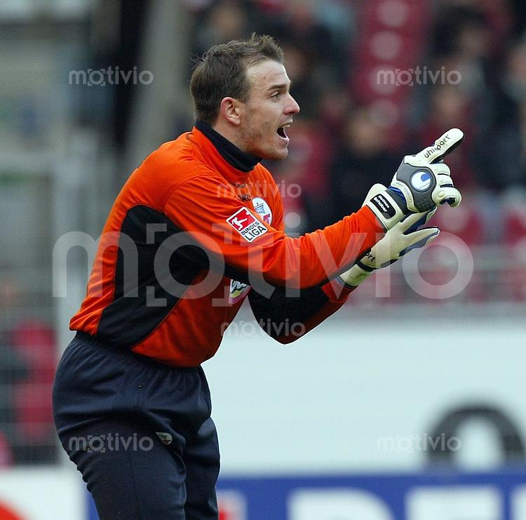 FUSSBALL 1. Bundesliga 2003/2004 18.Spieltag  VfB Stuttgart 2-0 FC Hansa Rostock Hansa Torwart Mathias Schober