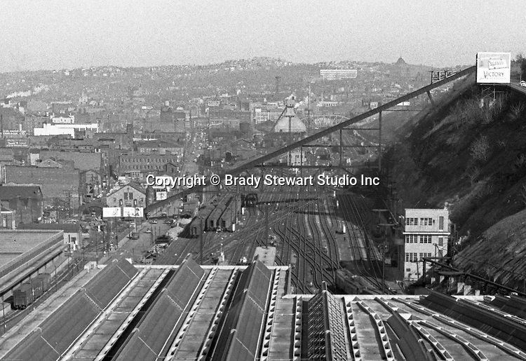 Pittsburgh PA:  View of the 17th Street/Penn Incline in the Strip District from the roof of the Pennsylvania Railroad Station - 1952.