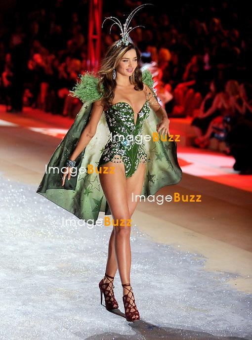 NEW YORK, NY - NOVEMBER 07: Victoria's Secret Angel - MIRANDA KERR walks the runway during the 2012 Victoria's Secret Fashion Show at the Lexington Avenue Armory in New York City.