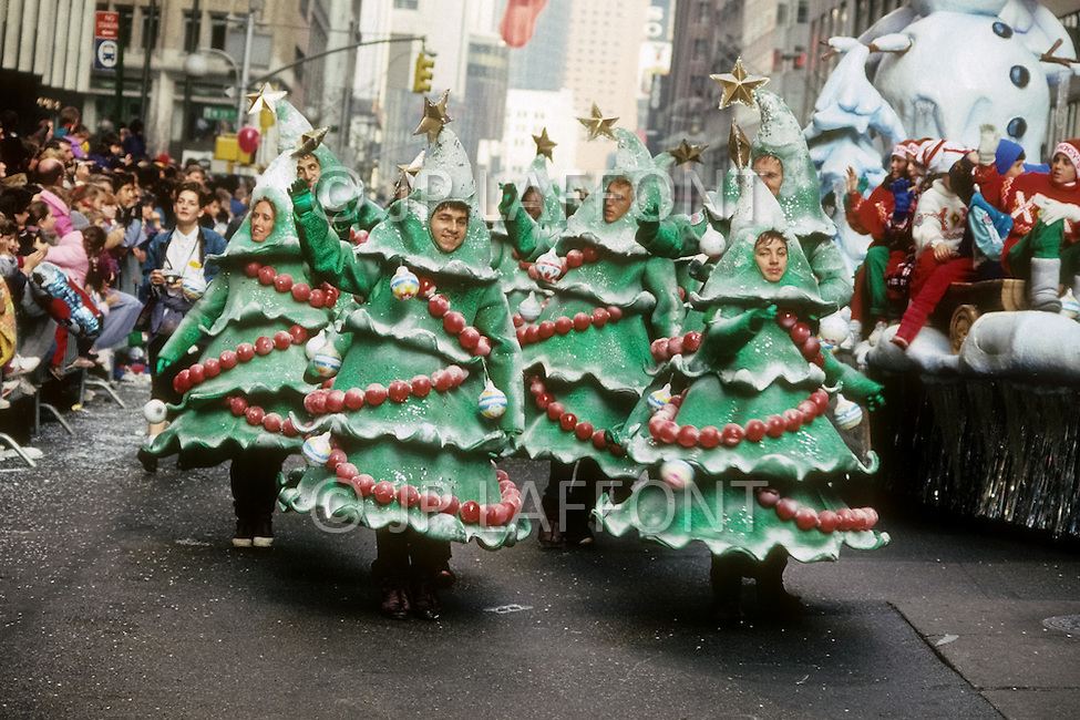 New York, U.S.A, 24th, November, 1988. The famous Macy's Thanksgiving Parade.