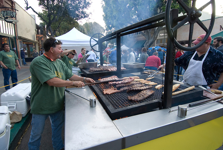 California, San Luis Obispo County: Thursday night festivities in the town of San Luis Obispo, with barbecue and a Farmers' Market..Photo caluis151-71175..Photo copyright Lee Foster, www.fostertravel.com, 510-549-2202, lee@fostertravel.com