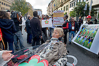Roma 4 Novembre  2014.<br /> Manifestazione davanti al ministero dell'Economia del Comitato 16 Novembre, associazione di persone malate di Sla e loro famigliari, per chiedere il ripristino del fondo della non autosufficienza  ridotto a 250 milioni con la legge di Stabilit&agrave;, non solo torni a 350 milioni ma venga aumentato a un miliardo. I manifestanti bloccano via XX Settembre davanti al ministero<br /> Rome November 4, 2014. <br /> Demonstration in front of the Ministry of Economy Committee November 16, an association of people sick  with ALS and their families, to ask for the restoration fund of self-sufficiency reduced to 250 million by the law of stability, not only back to 350 million but is increased one billion. Protesters blocked XX Settembre street outside the Ministry.