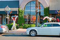 Coda Art Gallery, El Paseo Drive, Palm Desert, CA, modern, contemporary art, sculpture, painting, glass, objects, extraordinary, colorful, energy , Art Sculptures, statue, Public Art, Statues. CA; California;