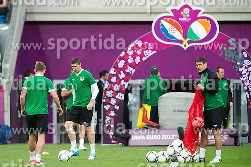 09.06.2012, Stadion Miejski, Poznan, POL, UEFA EURO 2012, Irland, Training, im Bild DARREN O'DEA (R) // during the during EURO 2012 Trainingssession of Ireland Nationalteam, at the stadium Miejski, Poznan, Poland on 2012/06/09. EXPA Pictures © 2012, PhotoCredit: EXPA/ Newspix/ Jakub Kaczmarczyk..***** ATTENTION - for AUT, SLO, CRO, SRB, SUI and SWE only *****