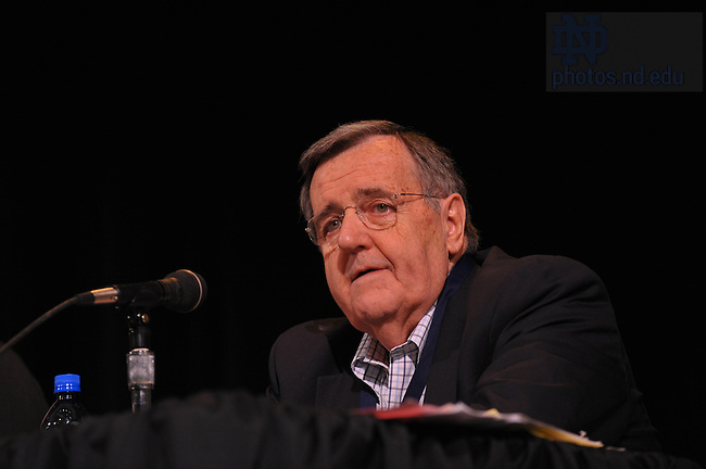 "Political commentator Mark Shields '59 speaks on a ""Notre Dame Perspectives"" panel discussion during Reunion 2009...Photo by Matt Cashore/University of Notre Dame"
