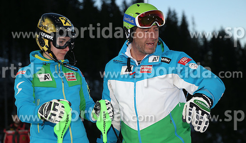 13.01.2015, Hermann Maier Weltcupstrecke, Flachau, AUT, FIS Weltcup Ski Alpin, Flachau, Slalom, Damen, 1. Lauf, im Bild v.l.: Kathrin Zettel (AUT) und Stefan Bürgler, Techniktrainer Damen (AUT) // before 1st run of the ladie's Slalom of the FIS Ski Alpine World Cup at the Hermann Maier Weltcupstrecke in Flachau, Austria on 2015/01/13. EXPA Pictures © 2015, PhotoCredit: EXPA/ Johann Groder
