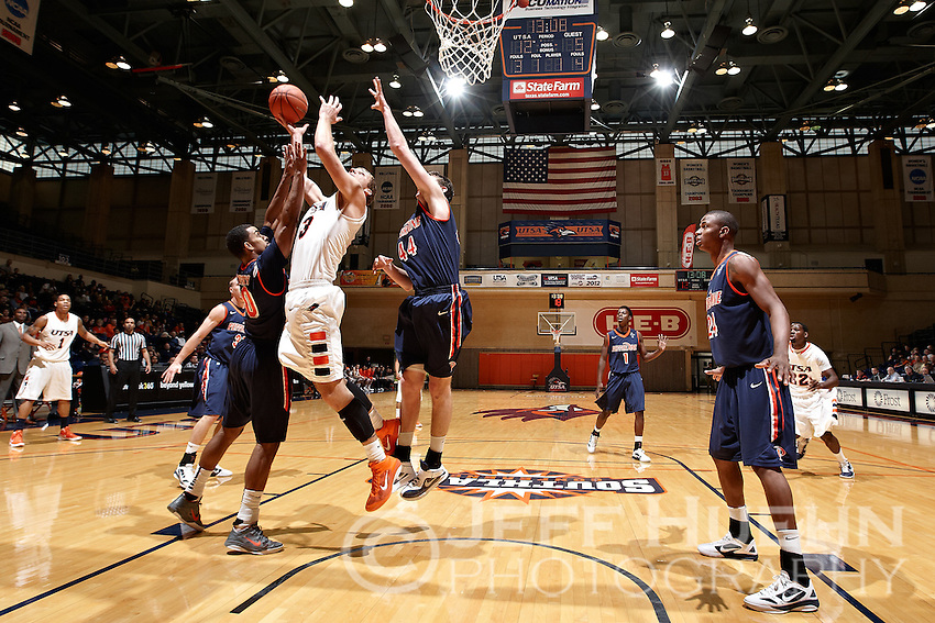 SAN ANTONIO, TX - NOVEMBER 26, 2011: The Pepperdine University Waves vs. The University of Texas at San Antonio Roadrunners Men's Basketball at the UTSA Convocation Center. (Photo by Jeff Huehn)