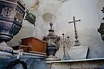 Ysabel R. De Casto Tomb, La Recoleta Cemetery
