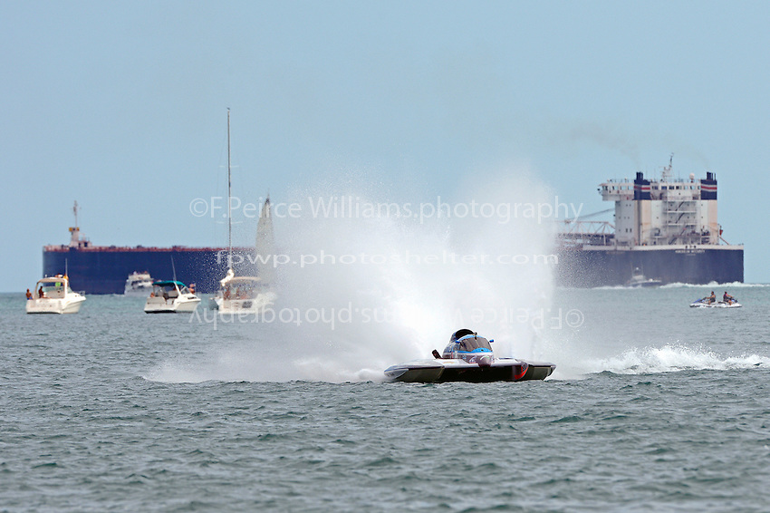 The big boats are on course. Mathew Daoust, GP-9  (Grand Prix Hydroplane(s)