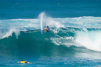 SUNSET BEACH, Oahu/Hawaii (Friday, December 5, 2014): Keanu Asing (HAW). The Vans World Cup of Surfing was  called ON this morning with competition begining with Round 4. <br /> A new NW 6 - 8 foot swell was on hand for the final which built through the day to 10 foot plus by the afternoon.<br /> Four island boys reached the final, three from the islands of Hawaii and one from the islands of tahiti. By the final hooter it was the Tahitian Michel Bourez (PYF) who emerged vitreous with Dusty Payne (HAW) 2nd, Sebastien Zietz (HAW) 3rd and Ian Walsh (HAW) 4th. Photo: joliphotos.com