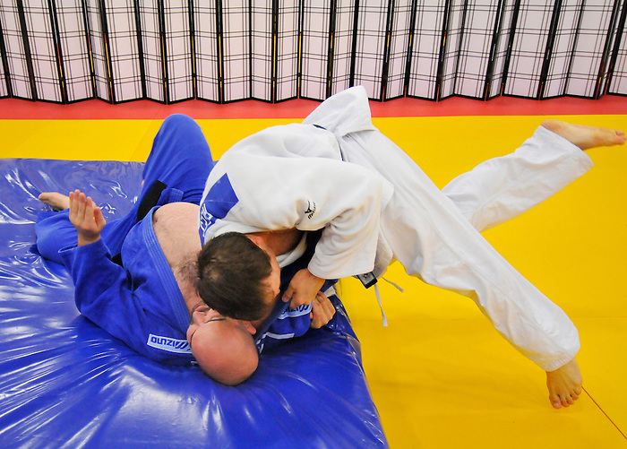 LONDON, ENGLAND – 08/26/2012:  Tony Walby and Tim Rees of the Canadian Judo Team during a training session at the London 2012 Paralympic Games at Mayesbrook Park SportHouse. (Photo by Matthew Murnaghan/Canadian Paralympic Committee)