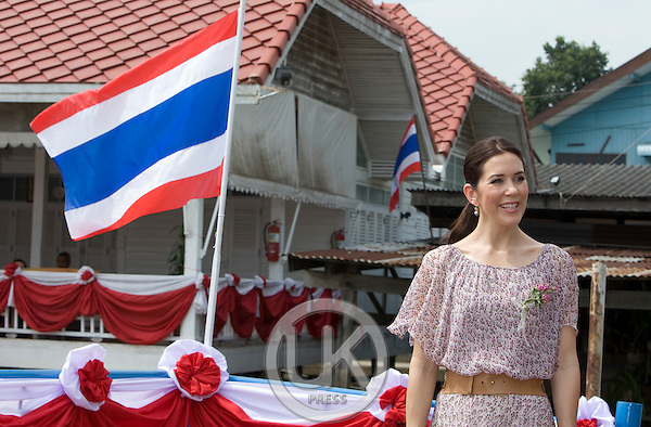 Crown Prince Frederik & Crown Princess Mary of Denmark, on a Four Day official visit to Thailand, Crown Princess Mary  visits the Temple at Wat Hong Pathummawad, in Pathum Thani Province, near Bangkok