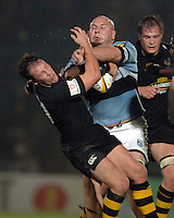 2005/06 Powergen Cup, London Wasps vs Cardiff Blues, Blues Craig Quinnell brushes aside Fraser Waters challenge.  Causeway Stadium, Wycome, ENGLAND, 07.10.2005   © Peter Spurrier/Intersport Images - email images@intersport-images..   [Mandatory Credit, Peter Spurier/ Intersport Images].