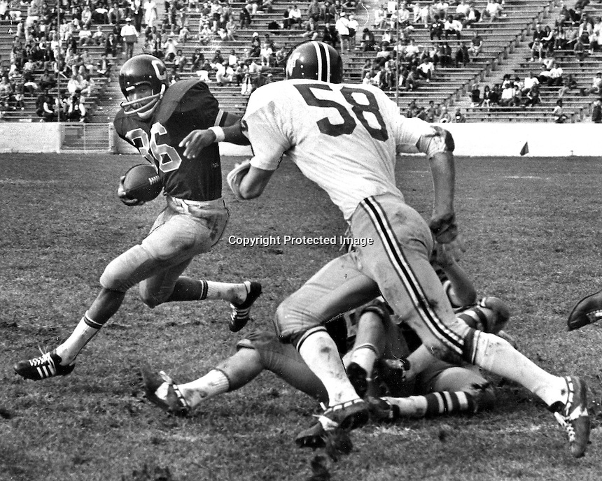 U.C. Bears runner Isaac Curtis runs for first of two touchdowns against the Washington Cougars.#58 Randy Johnson. (1970 photo/Ron Riesterer)