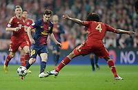 FUSSBALL  CHAMPIONS LEAGUE  HALBFINALE  HINSPIEL  2012/2013      FC Bayern Muenchen - FC Barcelona      23.04.2013 Lionel Messi (li, Barca) gegen Dante (re, FC Bayern Muenchen)