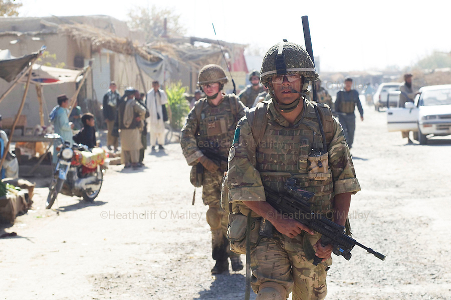 Mcc0027461 . Daily Telegraph..Paratroopers from the FSG (Fire Support Group)B Coy, 3 Para, on patrol in Chah e Anjir area , northern Nad e Ali..Helmand 25 November 2010
