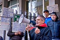 Roma, 09 Dicembre 2004<br /> Mafia Capitale: occupato l'assessorato alle Politiche Sociali di Roma Capitale da Action diritti in movimento, per denunciare l'incapacit&agrave; dell'assessorato nella gestione del sociale e per il profitto e la speculazione su chi vive un disagio economico e sociale come riportato dall'inchiesta e dagli arresti della magistratura nell'operazione &quot;Mondo di Mezzo&quot;. Andrea Alzetta  detto Tarzan, con il megafono ex consigliere del Comune di Roma<br /> Rome, December 9, 2004<br /> Mafia Capital: occupied the Department of Social Policies of Roma Capitale by Action rights in movement, to denounce  the inability the Councillor in the management of social and for profit and speculation about who lives an economic and social hardship as reported by investigation and arrests in the operation of the judiciary &quot;Middle World&quot;. Andrea Alzetta with megaphone former councilor of the City of Rome
