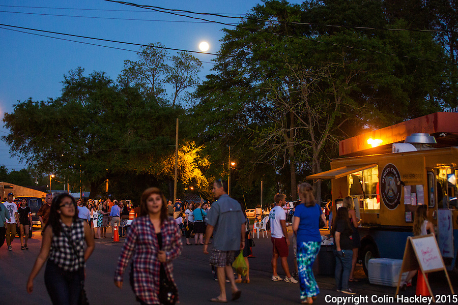 Full moon, food trucks, first Friday crowds at Tallahassee's Railroad Square Art Park just off the Gaines Street corridor. <br /> <br /> COLIN HACKLEY PHOTO