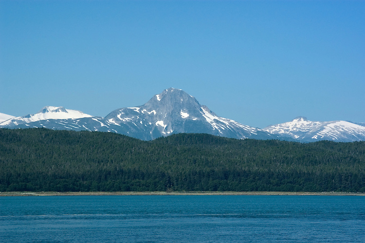 Alaska, Juneau: Wildlife viewing and scenery  trip on Lynn Canal aboard the Admiralty Wind from Auke Bay..Photo #: alaska10201 .Photo copyright Lee Foster, 510/549-2202, lee@fostertravel.com, www.fostertravel.com..