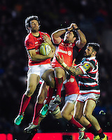 Marcelo Bosch of Saracens claims the ball in the air. Aviva Premiership match, between Leicester Tigers and Saracens on January 1, 2017 at Welford Road in Leicester, England. Photo by: Patrick Khachfe / JMP