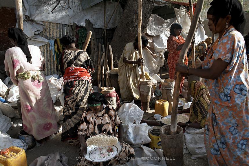 Woman grain at Hargeisa market, Somaliland.