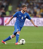 FUSSBALL  EUROPAMEISTERSCHAFT 2012   VIERTELFINALE England - Italien                     24.06.2012 Claudio Marchisio (Italien) Einzelaktion am Ball