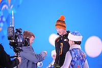OLYMPICS: SOCHI: Medal Plaza, 09-02-2014, medaille uitreiking, 5000m Men, Koning Willem-Alexander (erelid IOC), Jan Blokhuijsen (NED), ©foto Martin de Jong