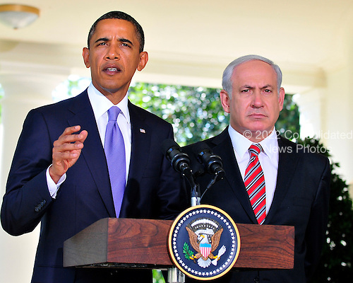 United States President Barack Obama makes a statement with Prime Minister Benjamin Netanyahu of Israel on the killings in the West Bank following their  meeting in the Oval Office of the White House in Washington, D.C. on Wednesday, September 1, 2010. .Credit: Ron Sachs / Pool via CNP
