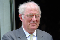 Seamus Heaney, Poet, Nobel Laureate, N Ireland, UK, Ref: 199908016. .Photograph taken at 1999 Yeats Summer School, Sligo, Rep of Ireland...Copyright Image from Victor Patterson, 54 Dorchester Park, Belfast, UK, BT9 6RJ..Tel: +44 28 9066 1296.Mob: +44 7802 353836.Voicemail +44 20 8816 7153.Skype: victorpattersonbelfast.Email: victorpatterson@mac.com.Email: victorpatterson@ireland.com (back-up)..IMPORTANT: If you wish to use this image or any other of my images please go to www.victorpatterson.com and click on the Terms & Conditions. Then contact me by email or phone with the reference number(s) of the image(s) concerned.