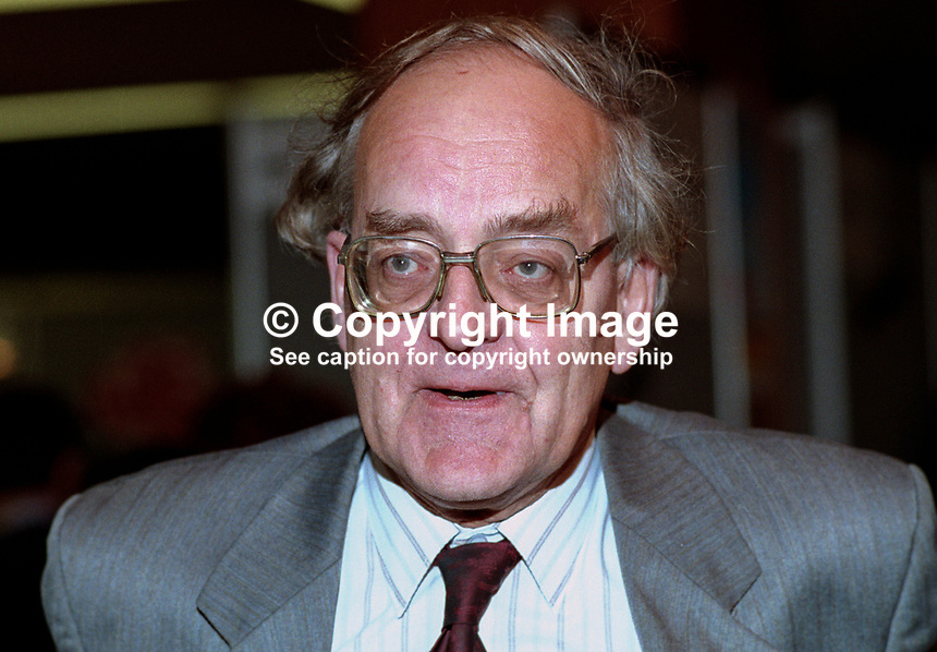 Peter Hardy, MP, Labour Party, UK, 199309302..Copyright Image from Victor Patterson, 54 Dorchester Park, Belfast, United Kingdom, UK...For my Terms and Conditions of Use go to http://www.victorpatterson.com/Victor_Patterson/Terms_%26_Conditions.html