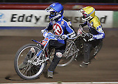 Heat 9 - Leigh Lanham (blue), Cameron Woodward - Arena Essex Hammers vs Eastbourne Eagles - Sky Sports Elite League 'B' - 04/10/2006 - MANDATORY CREDIT: Gavin Ellis/TGSPHOTO