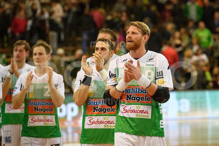 Schlussapplaus der Spieler von FrischAuf Goeppingen, rechts Manuel Spaeth (FAG)