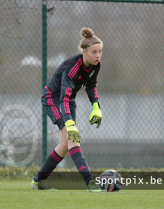 20151128 - Tubize , Belgium : German Wiebke Willebrandt pictured during the female soccer match between Women under 16 teams of  Belgium and Germany , in Tubize . Saturday 28th November 2015 . PHOTO DIRK VUYLSTEKE