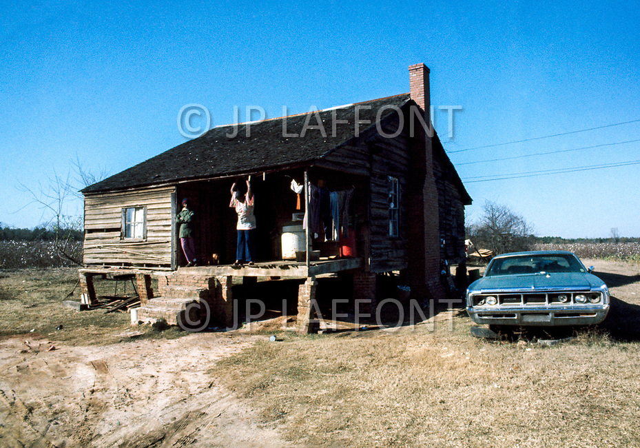 1977, Plains, Georgia, USA --- African-Americans in Plains, affected by unemployement. --- Image by © JP Laffont