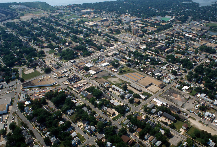 1996 May ..Redevelopment.Old Dominion (R-28)..Aerial View.Looking West.Hampton Boulevard  left to right on top.37th Street at bottom....NEG#.NRHA#..REDEV:ODU II 1 5:4