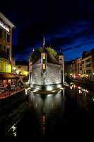 Night view of the 12th century Palais de l'Isle jail in Annecy, capital of the Haute-Savoie department (France, 21/06/2010)