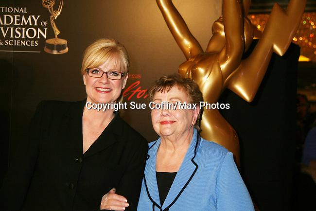 Bonnie Hunt - Red Carpet - 37th Annual Daytime Emmy Awards on June 27, 2010 at Las Vegas Hilton, Las Vegas, Nevada, USA. (Photo by Sue Coflin/Max Photos)