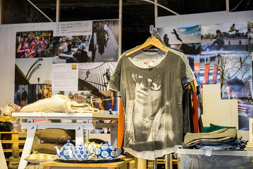 Nederland, Utrecht, 26 maart 2015<br /> Popupstore the Art en Fashion Project met Simone de Goede.<br /> Foto: (c) Michiel Wijnbergh