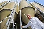 Foto: VidiPhoto<br /> NIJKERK - Portret van LTO-bestuurslid en varkenshouder Dirk Dekker uit Nijkerk.