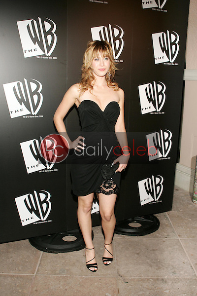 Lizzy Caplan<br />