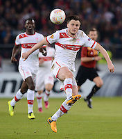 FUSSBALL   INTERNATIONAL   UEFA EUROPA LEAGUE   SAISON 2012/2013    Achtelfinale Hinspiel VfB Stuttgart - Lazio Rom      07.03.2013 William Kvist (VfB Stuttgart) am Ball