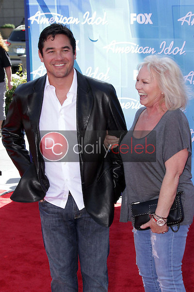 Dean Cain and mom<br />