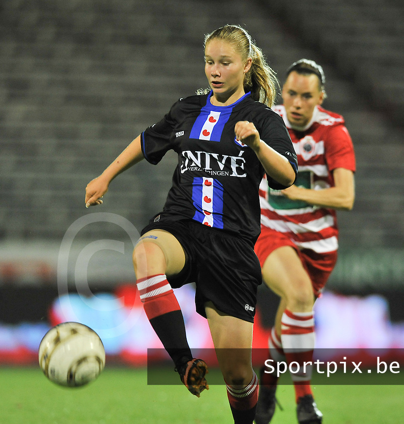 20130903 - ANTWERPEN , BELGIUM : Heerenveen's Sisca Folkertsma pictured during the female soccer match between Royal Antwerp FC Vrouwen and SC Heerenveen at the BOSUIL STADIUM , of the second matchday in the BENELEAGUE competition. Tuesday 3 September 2013. PHOTO DAVID CATRY