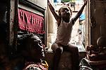 Olímpia e sua filha Ana Luísa. Ocupação Mama África, Niterói, Rio de Janeiro.