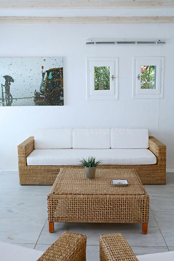 MEGALOKONOMOS MANOS YOUNG GREEK ARCHITECT BUILT HIS SUMMER HOUSE IN MYKONOS