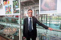 Roma 10 Ottobre 2012.Il Ministro delle politiche agricole alimentari e forestali, Mario Catania visita Eataly Roma, presso l'ex Air terminal Ostiense.