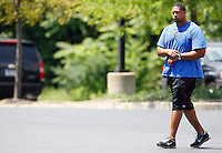 PITTSBURGH - JULY 26:  A day after the NFL lockout ended, Ramon Foster #73 of the Pittsburgh Steelers reports to the South Side training facility on July 26, 2011 in Pittsburgh, Pennsylvania.  (Photo by Jared Wickerham/Getty Images)
