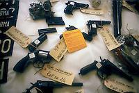 Roma 1987<br /> Le armi sequestrate dai carabinieri nel covo delle Brigate Rosse PCC di Castelverde