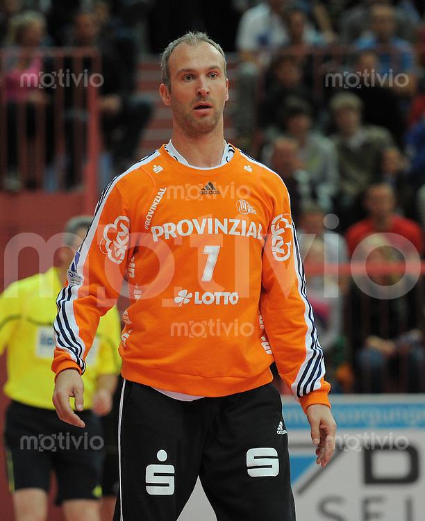 Handball 1. Bundesliga  2012/2013  in der Paul Horn Arena Tuebingen 02.10.2012 TV Neuhausen - THW Kiehl THW-Torwart Thierry Omeyer