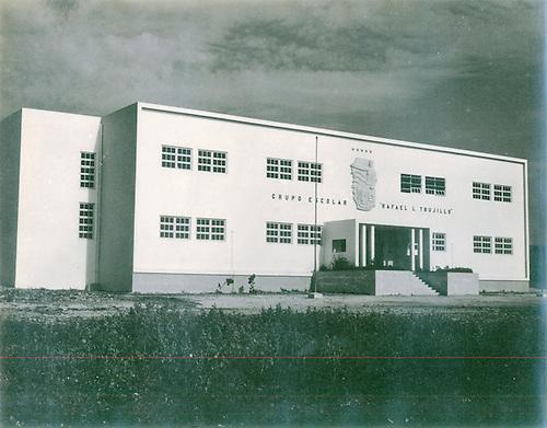 Grupo Escolar Rafael L. Trujillo. Plan Bienal de Construcciones 1950-1952. © AGN